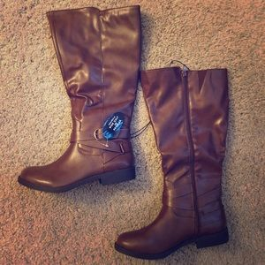NWT knee high boots 7.5 wide calf